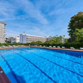 swimming pool apartment salou